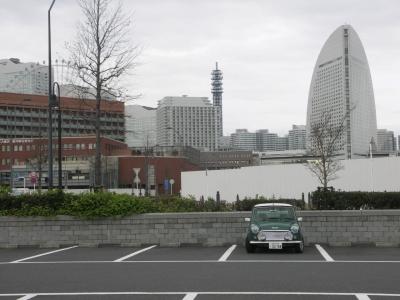 赤レンガ倉庫の駐車場