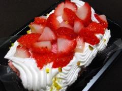 スペシャルストロベリーロールケーキ