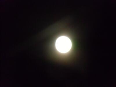 2017年中秋の名月 名月とひこうき雲