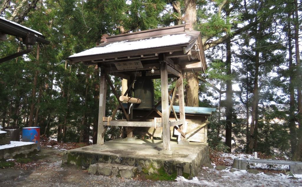 諏訪神社の平和の鐘