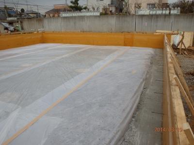 防湿シート敷込
