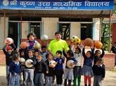 ネパールへサッカーボール