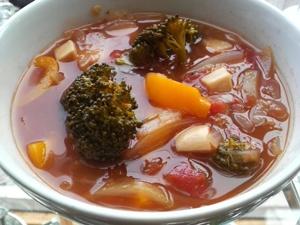 「ワタリガニと野菜のトマトスープ」