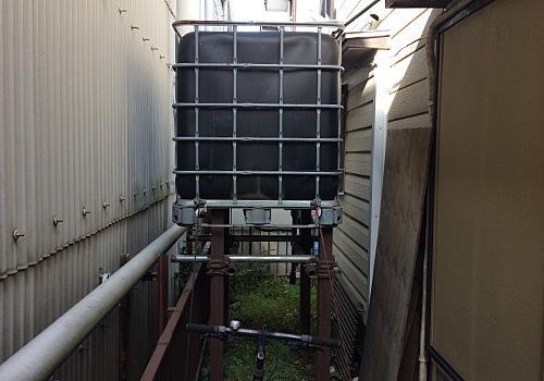 裏のタンク