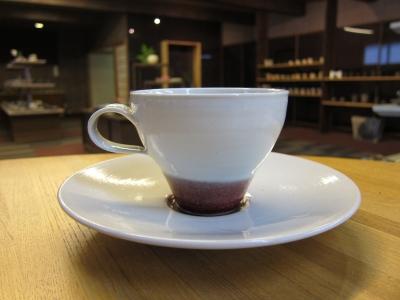 高橋里美さんカップソーサー01