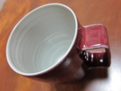 赤いマグカップ / 高橋里美