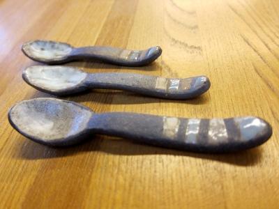 陶器のスプーン