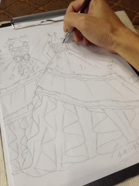 子供用ドレス 愛知県のお子様ドレスをデザイン