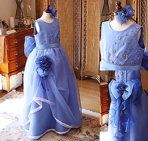 ピアノの発表会、コンクール、演奏会向けの子供用ドレス ブルーのドレス