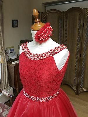 ヒーディングを施したレッドドレス製作