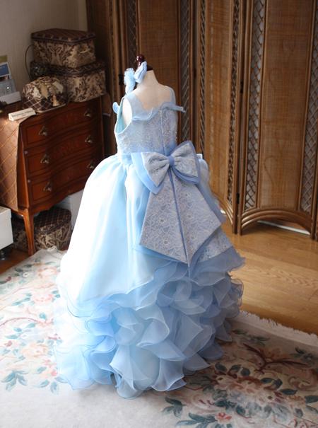 愛知県のお子様のドレス 水色