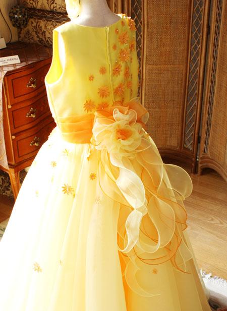 ピアノのコンツェルト用ドレス 愛知県のお子様ドレス
