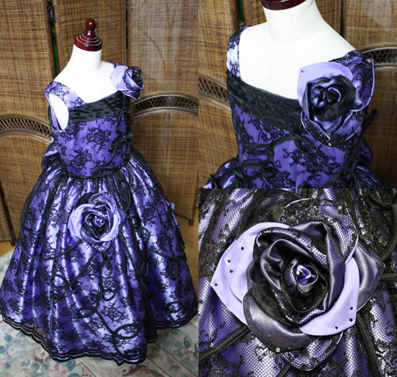 バラのコサージュをモチーフとした子供用ピアノの発表会ドレス