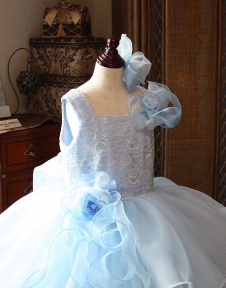 コサージュとリボンをデザイン 子供用ドレス