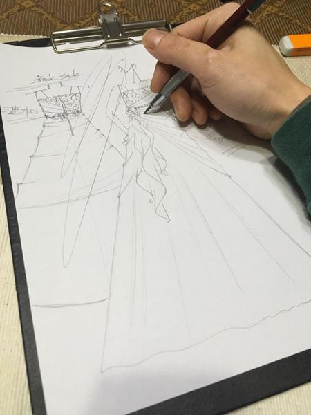 中学生ドレスのデザイン ピアノのコンクール、受賞者コンサート用ドレス