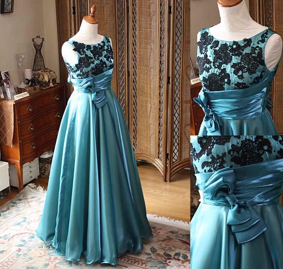 アンティークグリーンのリサイタルドレス