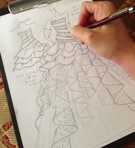 ウェディングドレスから子供用のコンクールドレスへデザインする