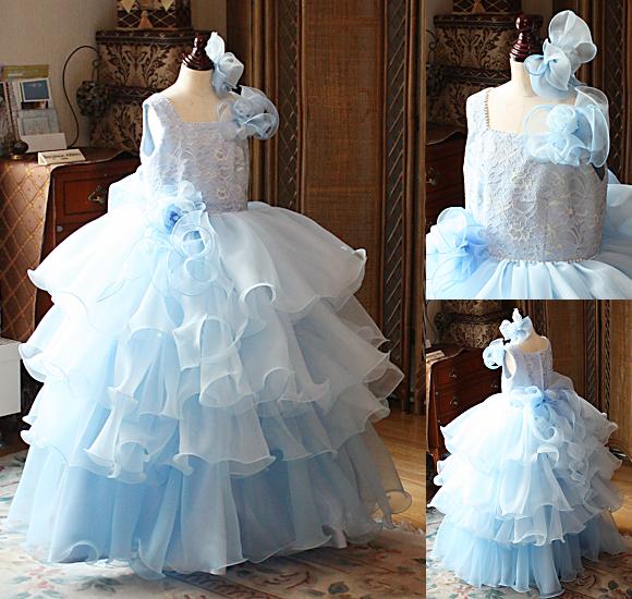 キュートでゴージャスな発表会ドレス 水色ドレス
