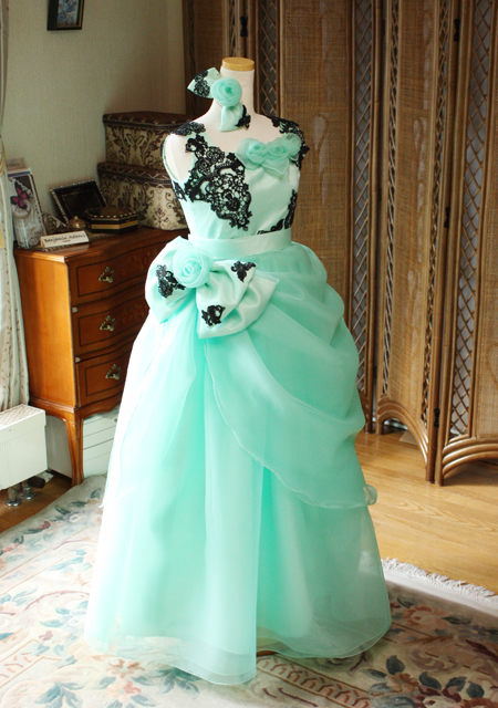 ピアノのコンクールドレス エメラルドグリーン 関西のお客様ドレス