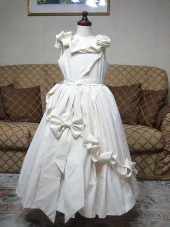 サンプルドレスの製作  子供用ドレスの仮縫い