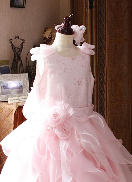 コンペティションドレスの上半身デザイン