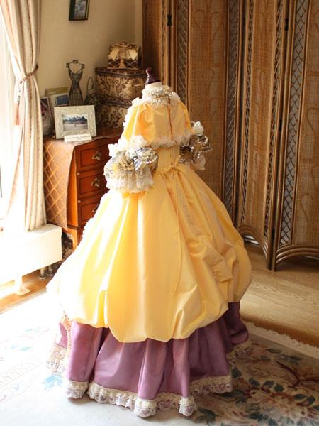 バックスタイルドレス