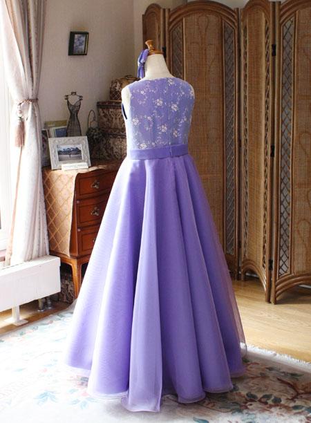 コンクールドレスのバックスタイル 145cmサイズドレス
