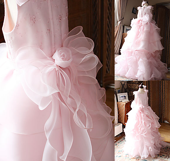 ドレスを際立たせるポイントデザイン
