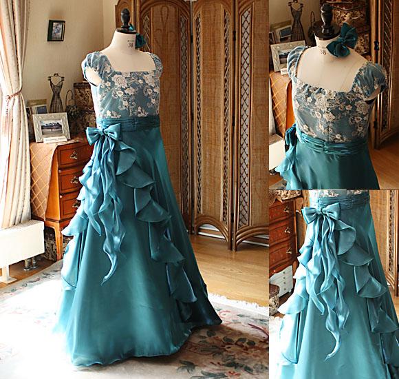 アンティークグリーンドレス