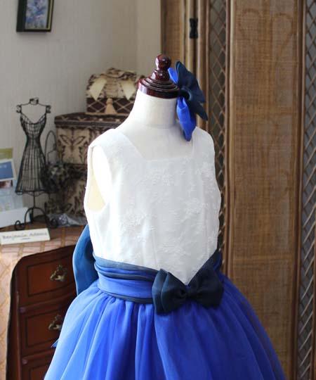 ピアノのドレスの上半身デザイン