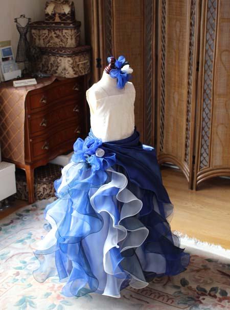 愛媛県の小学生にデザインさせて頂いたピアノのコンクール用ドレス