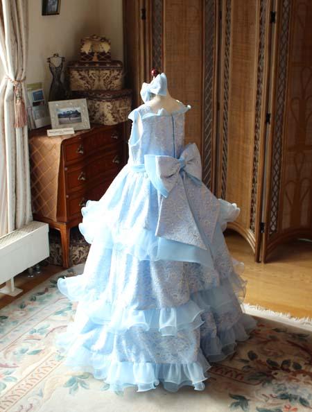 リボンデザインの小学生ドレス