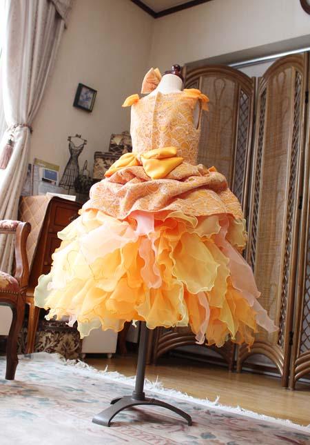 オレンジとイエローの子供用ドレス