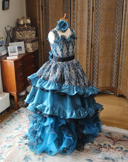 ピアノのコンチェルト用ドレス バロック調デザイン