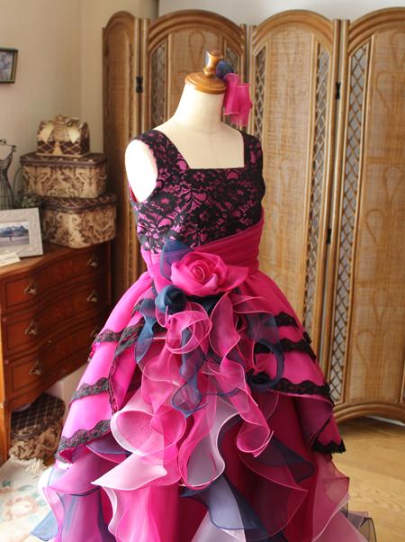 上半身デザイン スクエアーネックのドレス