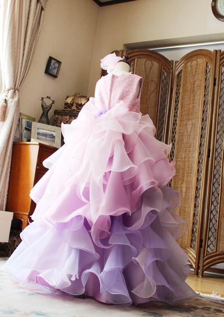 ステージを意識したベルラインシルエットのオーダーメイドドレス