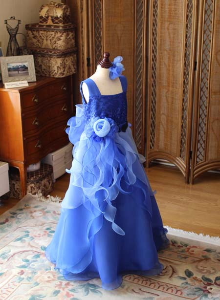 グラデーションブルーのコンチェルト用ドレス