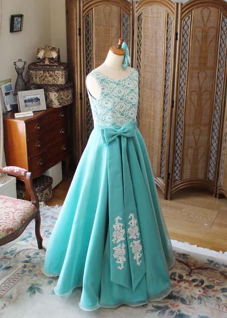 ステージ映えのするフレアスカートドレス ジュニアサイズ