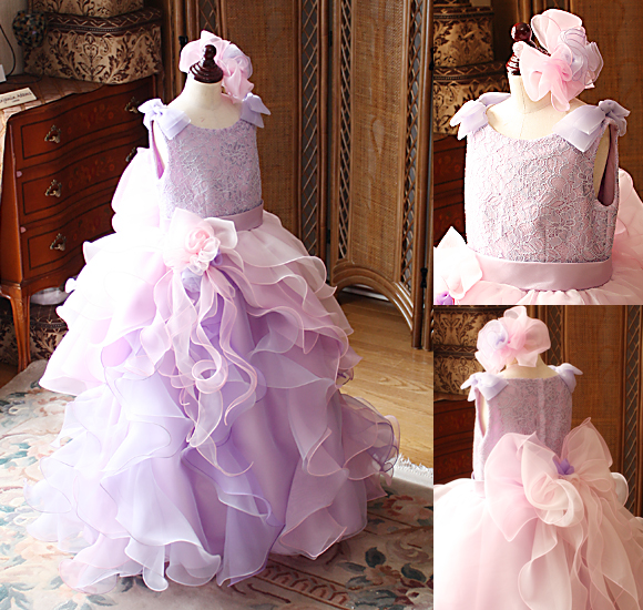 かわいいフリルとリボンを施した発表会ドレスとコンクール用ドレス