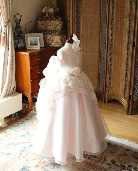 ベビーピンクカラーのピアノの発表会ドレス
