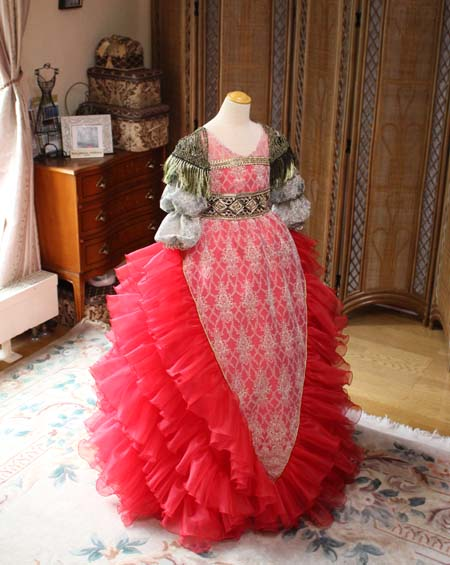 シルエットとデザイン ドレスのディテールデザイン