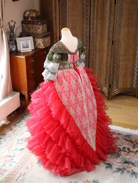 シルエットとデザイン ドレスのディテールデザイン バックススタイル