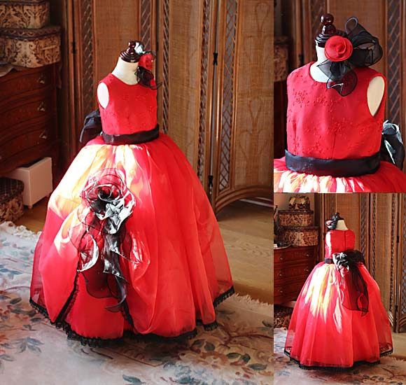ベルラインシルエットのジュニアサイズドレス