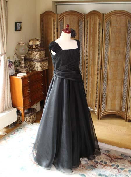 ブラックのロングドレス バイオリンの演奏者用ドレス