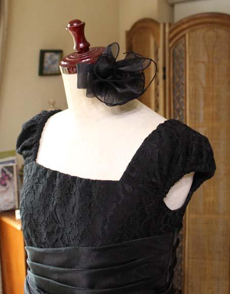 ヘッドドレスと肩のデザイン