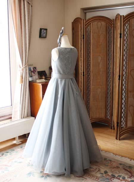 スカート デザインで豊かに表現するシルエット