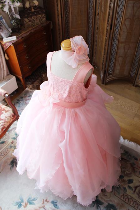 コンクールドレスののスカートシルエットとデザイン