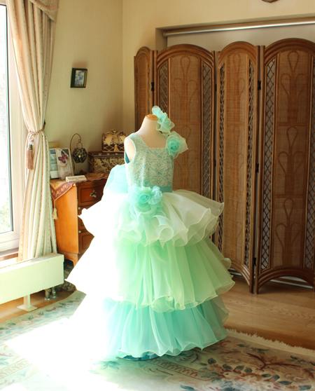 ピアノの入賞者コンサートドレス エメラルドグリーン