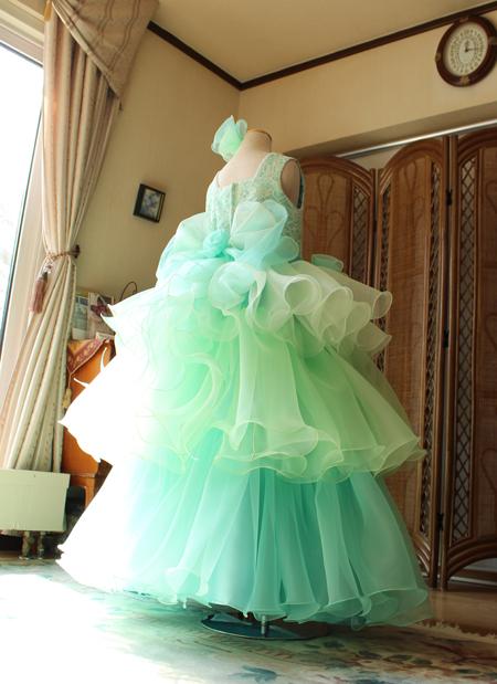 ロング丈のジュニアドレス エメラルドグリーンのグラデーション