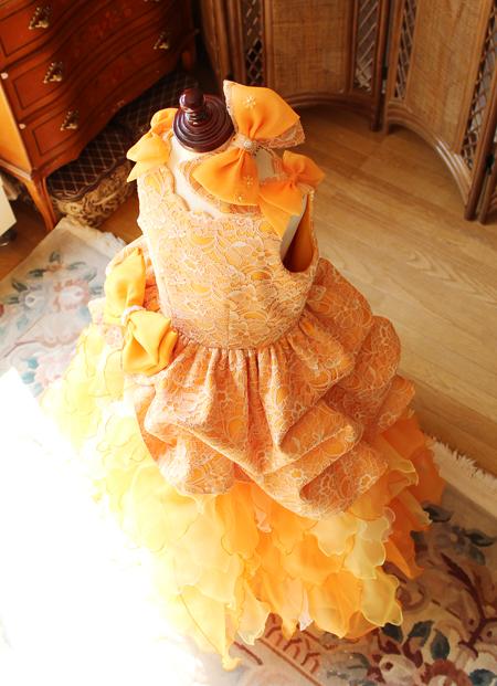かわいらしく表現するベルラインスカート